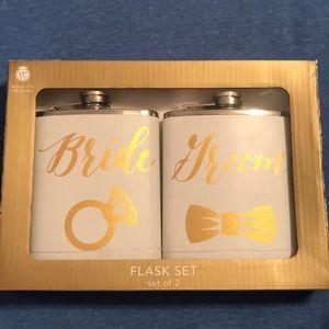 Wild Eye Designs Accessories - Bride/Groom Flask Set